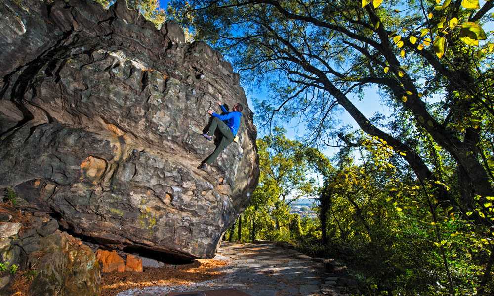 Photo of climber in the bouldering park